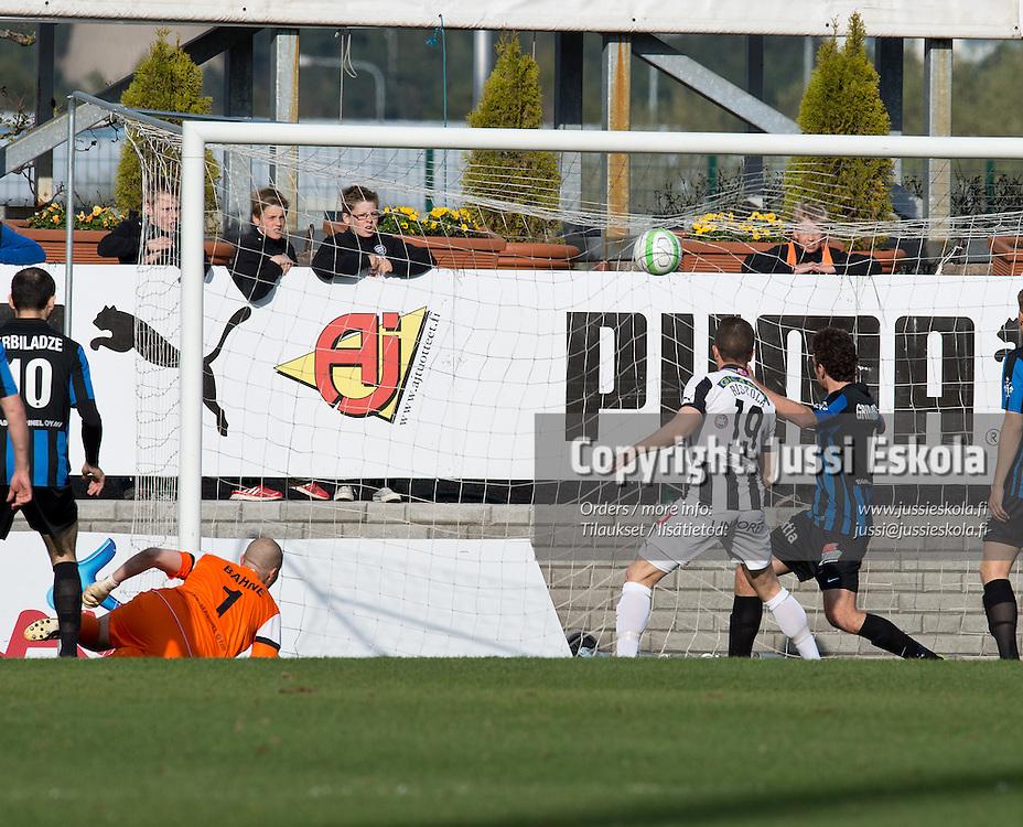 1-0-maali. TPS - Inter. Veikkausliiga. Turku, 13.5.2013. Photo: Jussi Eskola
