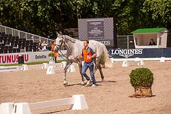 Van Der Vleuten Maikel, NED, Dana Blue<br /> Rotterdam - Europameisterschaft Dressur, Springen und Para-Dressur 2019<br /> Vet-Check Springen<br /> Horse Inspection Jumping horses<br /> 19. August 2019<br /> © www.sportfotos-lafrentz.de/Sharon Vandeput