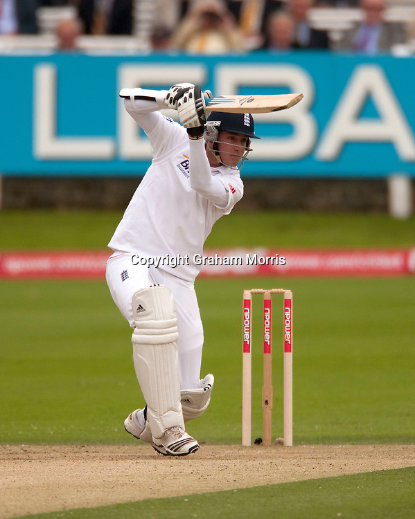Stuart Broad bats during the final npower Test Match between England and Pakistan at Lord's.  Photo: Graham Morris (Tel: +44(0)20 8969 4192 Email: sales@cricketpix.com) 27/08/10