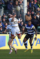 Wasps fly half Andy Goode jumps to catch the ball in Aviva Premiership game against /Bath Rugby at the Recreation Ground - Photo mandatory by-line: Paul Knight/JMP - Mobile: 07966 386802 - 10/01/2015 - SPORT - Rugby - Bath - The Recreation Ground - Bath Rugby v Wasps - Aviva Premiership