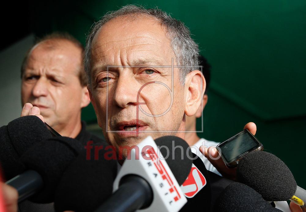O secretário-geral da CBF, Walter Feldman durante a coletiva de imprensa  na Sede da Chapecoense na Arena Conda (SC) na tarde desta terça feira 29 Foto Marcelo D. Sants/FramePhoto.