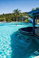 Piscina no Pratas Thermas Hotel. São Carlos, Santa Catarina, Brasil. / Swimming pool at Pratas Thermas Hotel. Sao Carlos, Santa Catarina, Brazil.