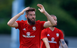 LOS ANGELES, USA - Saturday, May 26, 2018: Wales' Joe Ledley during a training session at the UCLA Drake Track and Field Stadium ahead of the International friendly match against Mexico. (Pic by David Rawcliffe/Propaganda)
