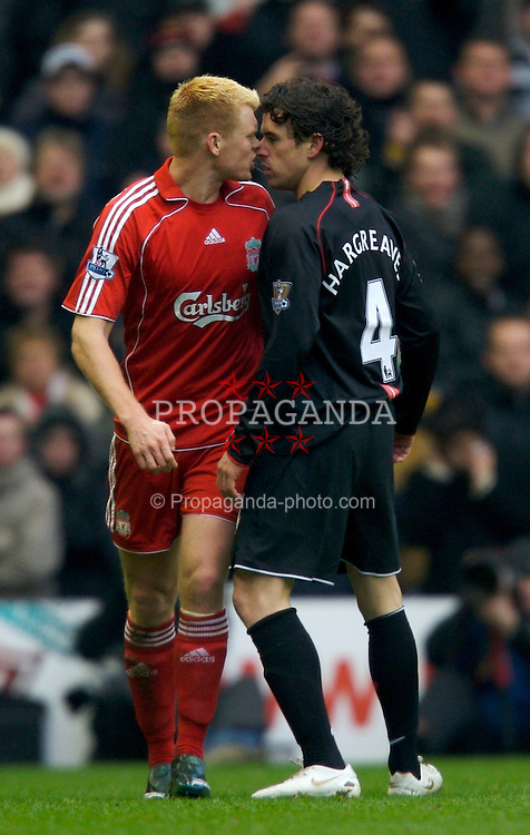 LIVERPOOL, ENGLAND - Sunday, December 16, 2007: Liverpool's John Arne Riise argues with Manchester United's Owen Hargreaves during the Premiership match at Anfield. (Photo by David Rawcliffe/Propaganda)