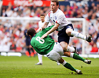 Fotball<br /> VM-kvalifisering<br /> England v Nord Irland<br /> 26. mars 2005<br /> Foto: Digitalsport<br /> NORWAY ONLY<br /> England's Wayne Rooney and Northern Ireland's Tommy Doherty