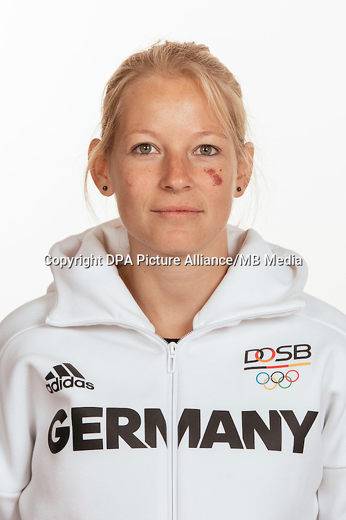 Sandra Happes poses at a photocall during the preparations for the Olympic Games in Rio at the Emmich Cambrai Barracks in Hanover, Germany, taken on 15/07/16 | usage worldwide