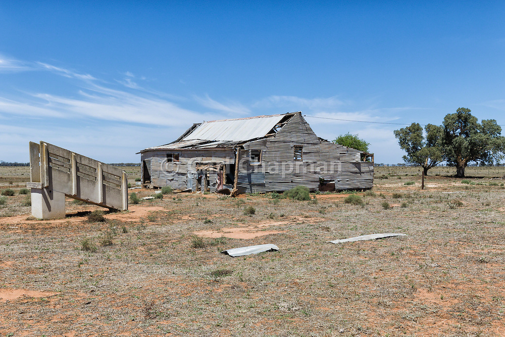 Dilapidated and rundown old outback shearning wool shed near Narrandera, New South Wales, Australia <br /> <br /> Editions:- Open Edition Print / Stock Image
