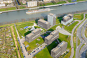 Nederland, Utrecht, Utrecht, 01-04-2016; <br /> bedrijventerrein en kantorenlokatie Papendorp. World Trade Center Papendorp, huisvest onder andere bol.com.<br /> Office location Papendorp, with World Trade Center Utrecht.<br /> <br /> luchtfoto (toeslag op standard tarieven);<br /> aerial photo (additional fee required);<br /> copyright foto/photo Siebe Swart