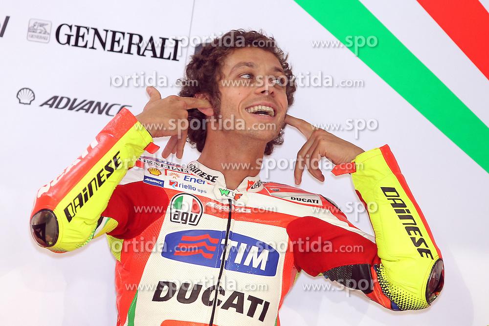 07.04.2012, Losail Circuit, Doha, QAT, MotoGP, Commercialbank Grand Prix of Qatar, im Bild Valentino Rossi - Ducati team // during MotoGP 'Commercialbank Grand Prix of Qatar' at 'Losail Circuit', Doha, Qatar on 2012/04/07. EXPA Pictures © 2012, PhotoCredit: EXPA/ Insidefoto/ Semedia..***** ATTENTION - for AUT, SLO, CRO, SRB, SUI and SWE only *****