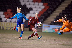 WIDNES, ENGLAND - Wednesday, February 7, 2018: Liverpool's Bethany England sees her shot saved during the FA Women's Super League 1 match between Liverpool Ladies FC and Arsenal Ladies FC at the Halton Stadium. (Pic by David Rawcliffe/Propaganda)