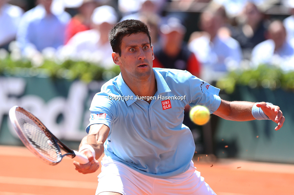 French Open 2014, Roland Garros,Paris,ITF Grand Slam Tennis Tournament, Herren Halbfinale,<br /> Novak Djokovi (SRB),Aktion,Vorhandvolley,Einzelbild,Halbkoerper,<br /> Querformat,