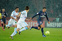 FOOTBALL - FRENCH CHAMPIONSHIP 2012/2013 - L1 - PARIS SAINT GERMAIN v OLYMPIQUE MARSEILLE - 24/02/2013 - PHOTO JEAN MARIE HERVIO / REGAMEDIA / DPPI - EZEQUIEL LAVEZZI (PSG)