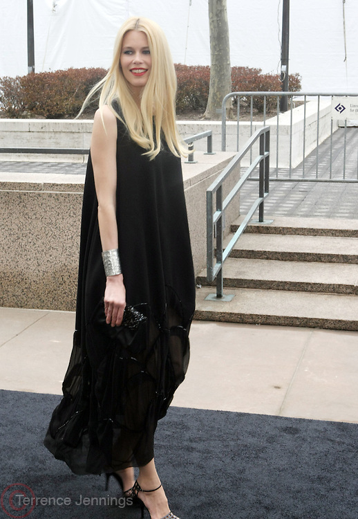 Claudia Schaffer arrives at The Metropolitan Opera's 125th Anniversary Gala and Placido Domingo's 40th Anniversary Celebration underwritten by Yves Saint Laurent held at The Metropolitian Opera House, Lincoln Center on March 15, 2009 in New York City.