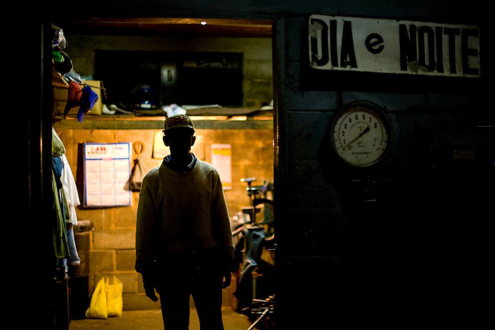 Manhuacu_MG, Brazil.<br /> <br /> Borracharia em uma rodovia em Manhuacu, Minas Gerais.<br /> <br /> Tire shop in the highway in Manhuacu, Minas Gerais.<br /> <br /> Foto: LEO DRUMOND / NITRO