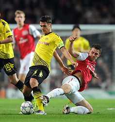 23.11.2011, Emirates Stadion, London, ENG, UEFA CL, Gruppe F, FC Arsenal (ENG) vs Borussia Dortmund (GER), im Bild Arsenal's Aaron Ramsey in action against Borussia Dortmund's Sebasian Kehl during the football match of UEFA Champions league, group F, between FC Arsenal (ENG) and Borussia Dortmund (POR) at Emirates Stadium, London, United Kingdom on 2011/11/23. EXPA Pictures © 2011, PhotoCredit: EXPA/ Sportida/ Chris Brunskill..***** ATTENTION - OUT OF ENG, GBR, UK *****