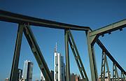 Deutschland, Germany,Frankfurt.Frankfurt.Skyline, Eiserner Steg.Iron Bridge...