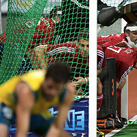 MELBOURNE - Champions Trophy men 2012<br /> Australia v England 2-0<br /> foto: Penalty corner defense.<br /> FFU PRESS AGENCY COPYRIGHT FRANK UIJLENBROEK