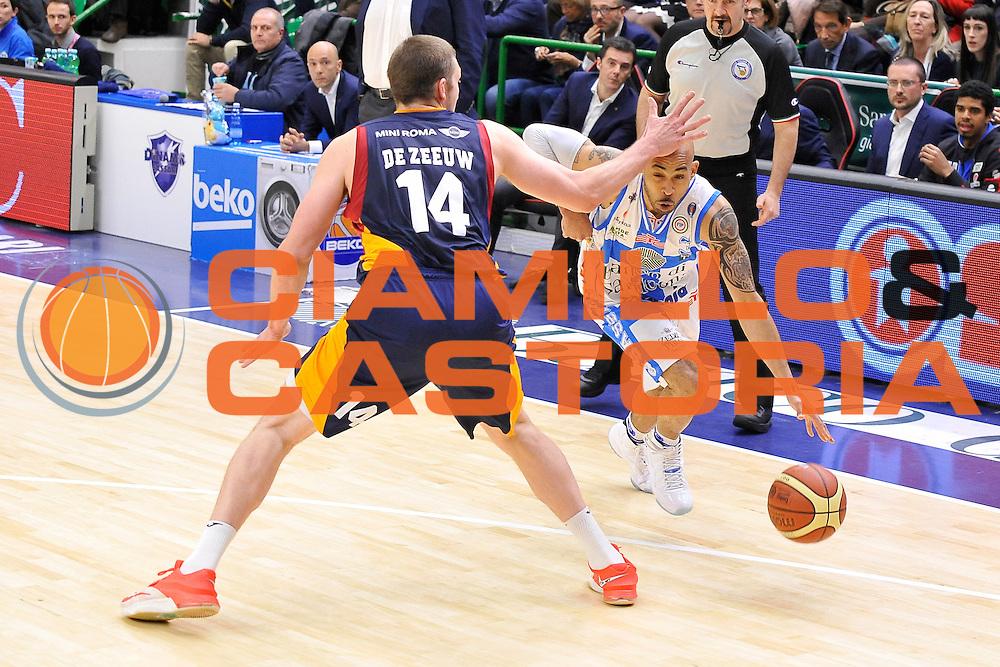 DESCRIZIONE : Campionato 2014/15 Dinamo Banco di Sardegna Sassari - Virtus Acea Roma<br /> GIOCATORE : David Logan<br /> CATEGORIA : Palleggio Curiosit&agrave; Mani<br /> SQUADRA : Dinamo Banco di Sardegna Sassari<br /> EVENTO : LegaBasket Serie A Beko 2014/2015<br /> GARA : Dinamo Banco di Sardegna Sassari - Virtus Acea Roma<br /> DATA : 15/02/2015<br /> SPORT : Pallacanestro <br /> AUTORE : Agenzia Ciamillo-Castoria/C.Atzori<br /> Galleria : LegaBasket Serie A Beko 2014/2015<br /> Fotonotizia : Campionato 2014/15 Dinamo Banco di Sardegna Sassari - Virtus Acea Roma<br /> Predefinita :Predefinita :