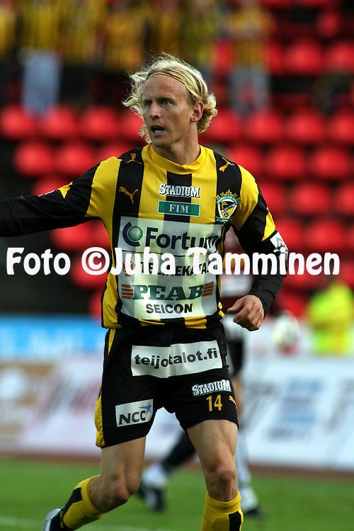 28.06.2006, Ratina, Tampere, Finland..Veikkausliiga 2006 - Finnish League 2006.Tampere United - FC Honka.Lasse Lind - Honka.©Juha Tamminen.....ARK:k