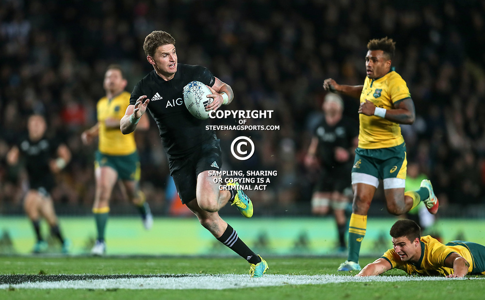 Beauden Barrett in action during the Bledisloe Cup and Rugby Championship rugby match between the New Zealand All Blacks and Australia Wallabies at Eden Park in Auckland, New Zealand on Saturday, 25 August 2018. Photo: Simon Watts / lintottphoto.co.nz