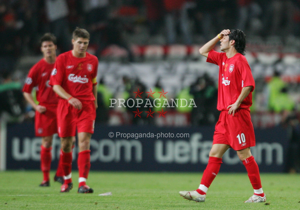 ISTANBUL, TURKEY - WEDNESDAY, MAY 25th, 2005: Liverpool's Luis Garcia looks dejected after AC Milan's Hernan Crespo scores the second goal during the UEFA Champions League Final at the Ataturk Olympic Stadium, Istanbul. (Pic by David Rawcliffe/Propaganda)