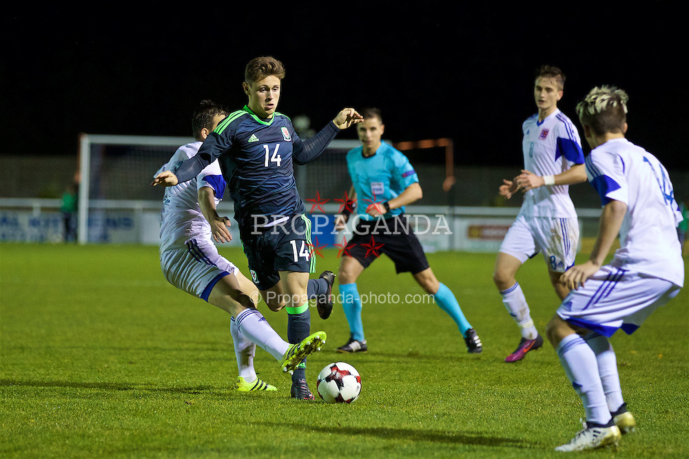 BANGOR, WALES - Tuesday, November 15, 2016: Wales' Keiran Evans in action against Luxembourg during the UEFA European Under-19 Championship Qualifying Round Group 6 match at the Nantporth Stadium. (Pic by David Rawcliffe/Propaganda)