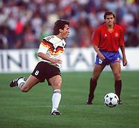 Fotball<br /> EM-sluttspillet 1988<br /> Vest Tyskland v Spania<br /> Foto: Digitalsport<br /> Norway Only<br /> Lothar Matthaus, Vest Tyskland