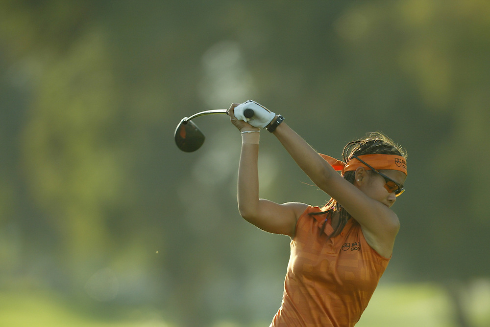 Jennifer Rosales..2004 Kraft Nabisco Championship.MIssion Hills CC.Rancho Mirage, CA .Second Round.Friday, March 26 2004..photograph by Darren Carroll