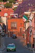 02 APRIL 2004 - SAN MIGUEL DE ALLENDE, GUANAJUATO, MEXICO: Calle Hospicio in San Miguel de Allende, Guanajuato, Mexico. San Miguel has become a popular retirement community for US citizens, there are about 7,500 US citizens living permanently in San Miguel. PHOTO BY JACK KURTZ