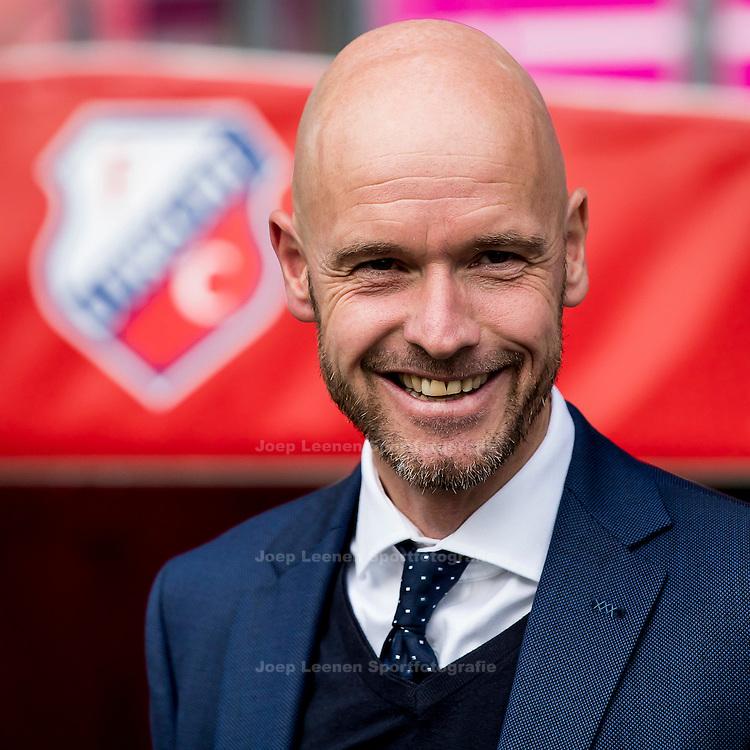 UTRECHT, FC Utrecht - NEC, voetbal, Eredivisie, seizoen 2016-2017, 30-10--2016, Stadion De Galgenwaard, FC Utrecht coach Erik ten Hag.
