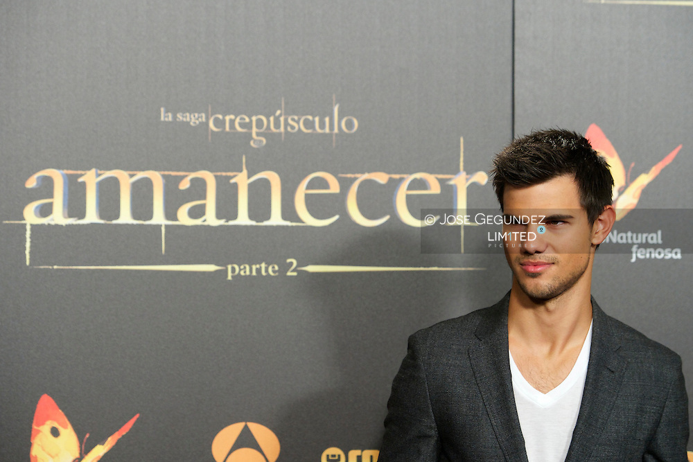 Taylor Lautner attends the Madrid Premiere of 'The Twilight Saga: Breaking Dawn - Part 2' at Kinepolis Cinema on November 15, 2012 in Madrid, Spain.