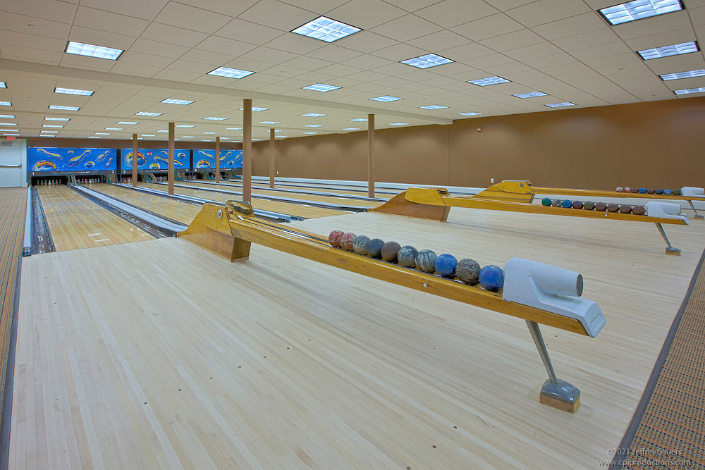 Bowling Alley Construction : Architectural and interior design photography of columbia