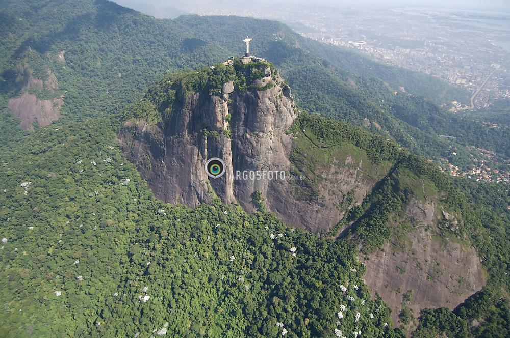 Cristo Redentor e Corcovado / Christ the Redeemer and Corcovado Hill