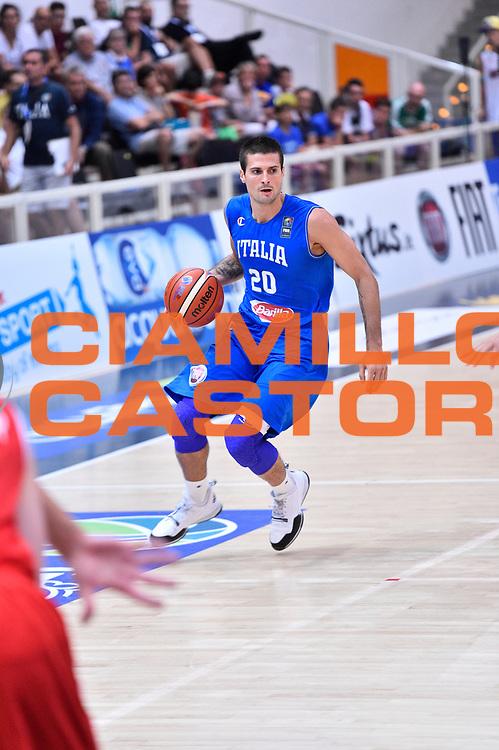 DESCRIZIONE : Trento Nazionale Italia Uomini Trentino Basket Cup Italia Austria Italy Austria <br /> GIOCATORE : Andrea Cinciarini<br /> CATEGORIA : Palleggio<br /> SQUADRA : Italia Italy<br /> EVENTO : Trentino Basket Cup<br /> GARA : Italia Austria Italy Austria<br /> DATA : 31/07/2015<br /> SPORT : Pallacanestro<br /> AUTORE : Agenzia Ciamillo-Castoria/GiulioCiamillo<br /> Galleria : FIP Nazionali 2015<br /> Fotonotizia : Trento Nazionale Italia Uomini Trentino Basket Cup Italia Austria Italy Austria