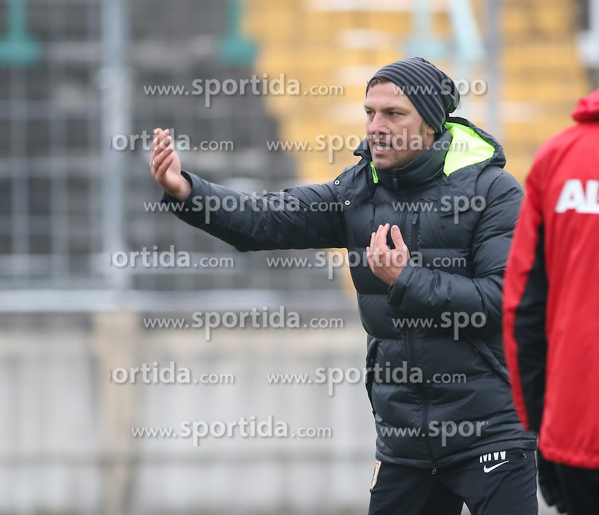 17.02.2015, Trainingsgel&auml;nde, Augsburg, GER, 1. FBL, FC Augsburg, Training, im Bild Markus Weinzierl (Trainer FC Augsburg) gibt Anweisungen auf dem Trainingsplatz, // during a trainingssession of the german 1st bundesliga club FC Augsburg at the Trainingsgel&auml;nde in Augsburg, Germany on 2015/02/17. EXPA Pictures &copy; 2015, PhotoCredit: EXPA/ Eibner-Pressefoto/ Krieger<br /> <br /> *****ATTENTION - OUT of GER*****