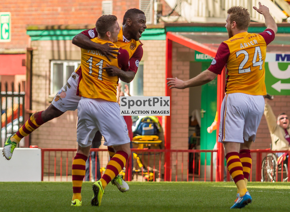 Zaine Francis-Angol celebrates the second goal for Motherwell (c) ROSS EAGLESHAM | SportPix.co.uk