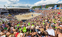 01-08-2014 AUT: FIVB Grandslam Volleybal, Klagenfurt<br /> Overview of the Center Court at the women's Quaterfinal Match of the A1 Beachvolleyball Grand Slam<br /> ***NETHERLANDS ONLY***