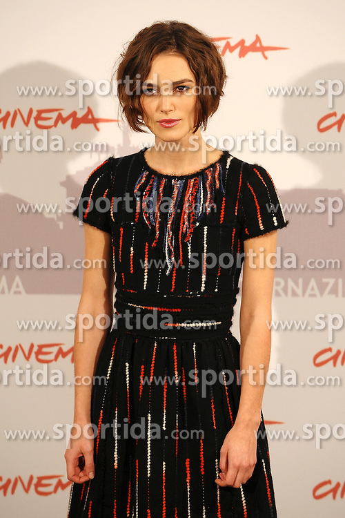 """28.10.2010, Civic Center, Rom, ITA, Rome International Film Festival, im Bild Keira KNIGHTLEY.Photocall """"Last Night"""".EXPA Pictures © 2010, PhotoCredit: EXPA/ InsideFoto/ Andrea Staccioli +++++ ATTENTION - FOR AUSTRIA AND SLOVENIA CLIENT ONLY +++++.."""