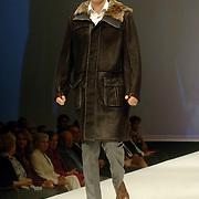 NLD/Noordwijk/20060917 - Modeshow Sheila de Vries winter 2006, mannequin Gideon de Vries