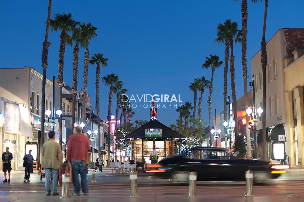 Picture of Third Street Promenade at dusk, City of Santa Monica, Los Angeles, California