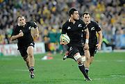 Liam Messam on the charge, Rugby Championship. Australia v All Blacks at ANZ Stadium, Sydney, New Zealand. Saturday 18 August 2012. New Zealand. Photo: Richard Hood/photosport.co.nz