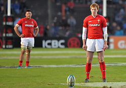 June 16, 2018 - Santa Fe, Argentina - Rhys Patchell from Wales is ready to kicks the ball during the International Test Match between Argentina and Wales at the Brigadier Estanislao Lopez Stadium, on June 16, 2018 in Sante Fe, Argentina. (Credit Image: © Javier Escobar/NurPhoto via ZUMA Press)