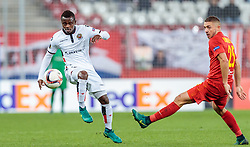 20.10.2016, Red Bull Arena, Salzburg, AUT, UEFA EL, FC Red Bull Salzburg vs OGC Nizza, Gruppe I, im Bild Jean Michel Seri (OGC Nice), Josip Radosevic (FC Red Bull Salzburg) // Jean Michel Seri (OGC Nice), Josip Radosevic (FC Red Bull Salzburg)  during the UEFA Europa League group I match between FC Red Bull Salzburg and OGC Nizza at the Red Bull Arena in Salzburg, Austria on 2016/10/20. EXPA Pictures © 2016, PhotoCredit: EXPA/ JFK