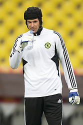 MOSCOW, RUSSIA - Tuesday, May 20, 2008: Chelsea's goalkeeper Petr Cech during training ahead of the UEFA Champions League Final against Manchester United at the Luzhniki Stadium. (Photo by David Rawcliffe/Propaganda)
