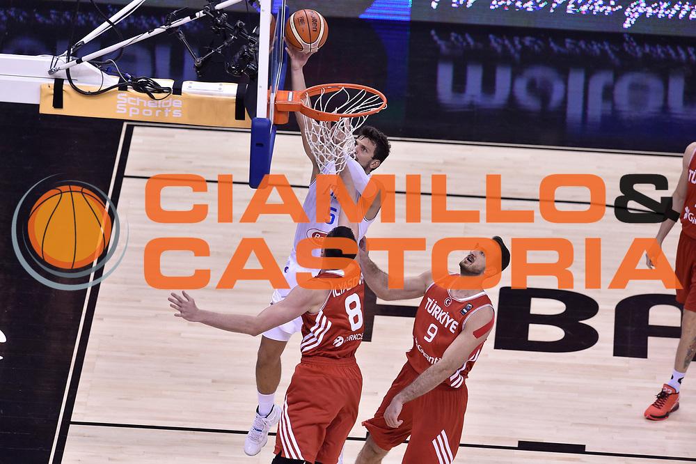 DESCRIZIONE : Berlino Berlin Eurobasket 2015 Group B Turkey Italy<br /> GIOCATORE : Alessandro Gentile<br /> CATEGORIA : tiro<br /> SQUADRA : Turkey Italy<br /> EVENTO : Eurobasket 2015 Group B <br /> GARA : Turkey Italy<br /> DATA : 05/09/2015 <br /> SPORT : Pallacanestro <br /> AUTORE : Agenzia Ciamillo-Castoria/Giulio Ciamillo <br /> Galleria : Eurobasket 2015 <br /> Fotonotizia : Berlino Berlin Eurobasket 2015 Group B Turkey Italy