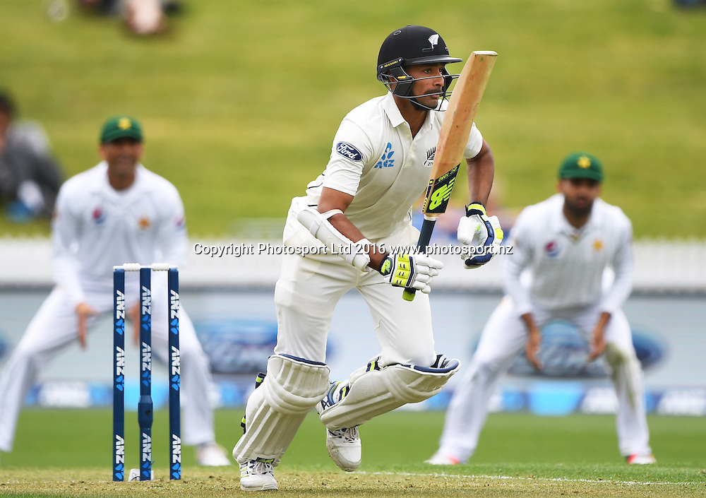 Jeet Raval.<br /> New Zealand Black Caps v Pakistan. Day 1, 2nd test match. Friday 25 November 2016. Seddon Park, Hamilton, New Zealand. &copy; Copyright photo: Andrew Cornaga / www.photosport.nz