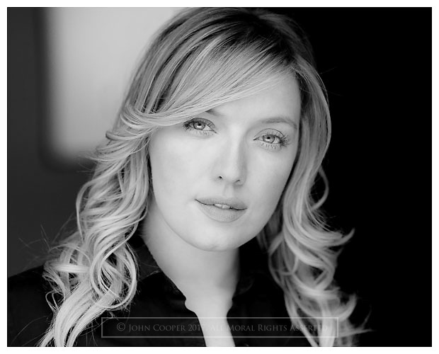 Headshot of Actress Joy McAvoy.