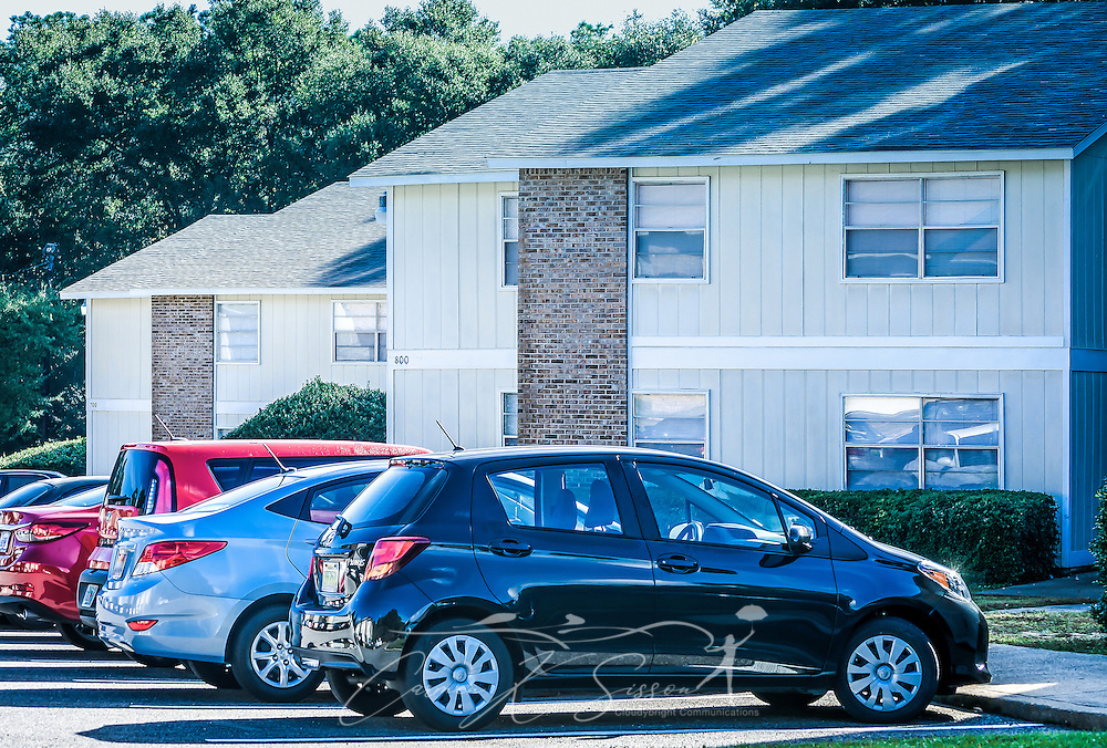 A building at Four Seasons apartments is pictured, Nov. 24, 2015, in Mobile, Alabama. The apartment complex, managed by Sealy Management Co., is located on East Drive. (Photo by Carmen K. Sisson/Cloudybright)