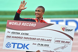 29-08-2015 CHN: IAAF World Championships Athletics day 8, Beijing<br /> Ashton Eaton USA  heeft  zijn eigen wereldrecord punten op de tienkamp verbeterd, 9045<br /> Photo by Ronald Hoogendoorn / Sportida