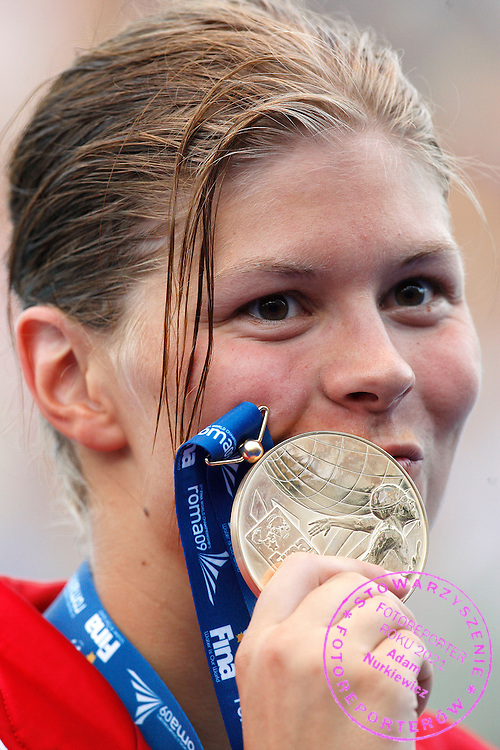ROME 01/08/2009.13th Fina World Championships.Gold medallist Lotte Friis of Denmark poses on the podium after winning the women's 800m freestyle swimming semi-final at the World Championships in Rome.photo: Piotr Hawalej / WROFOTO